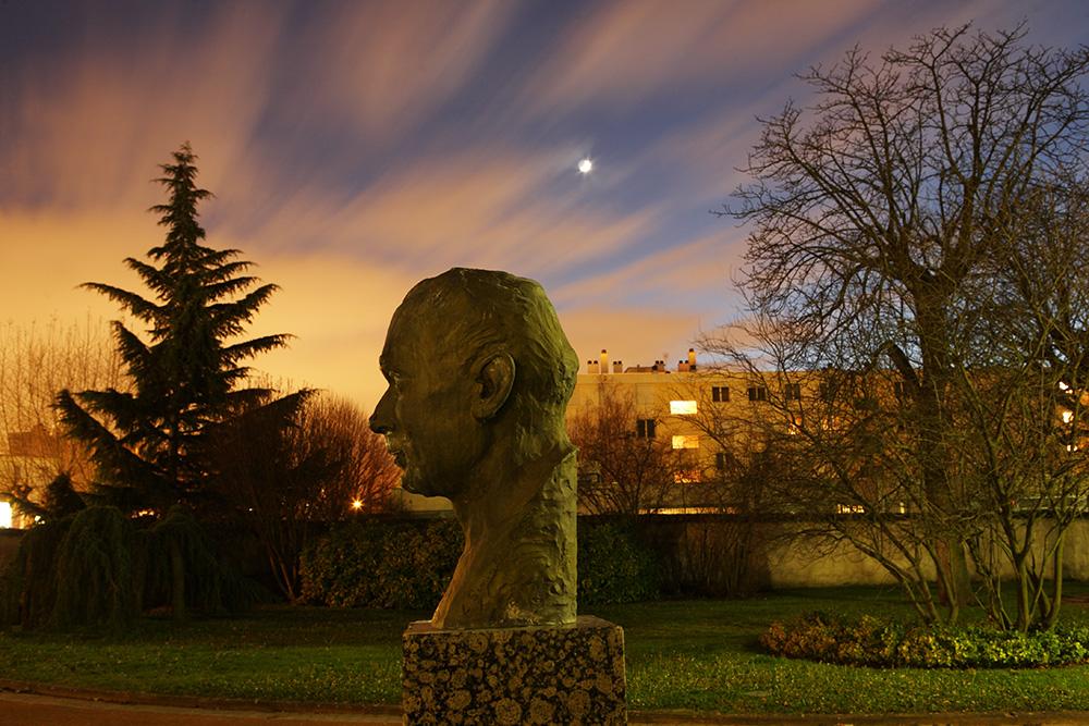 Caluire Vernay - statue Andre Lassagne