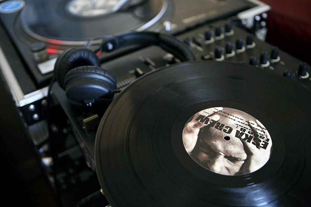 Communication-Eska-Crew-Macaron-Vinyl